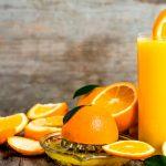 Los 8 beneficios básicos del zumo de naranja recién exprimido