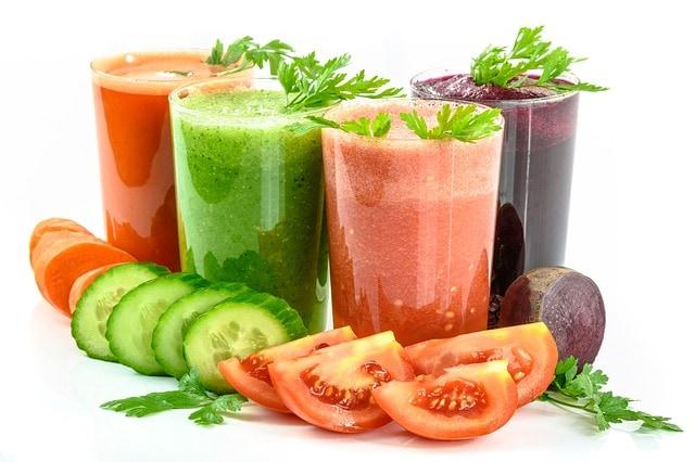 Beneficios de los batidos y zumos detox