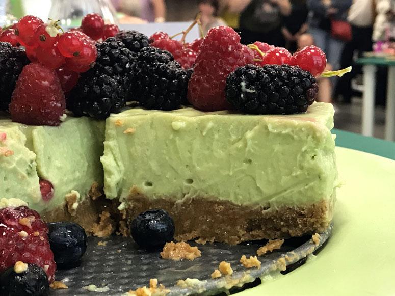 La mejor tarta de queso con aguacate y lima del mundo (sin horno)