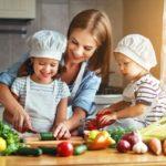 Cómo conseguir que los peques disfruten comiendo verduras
