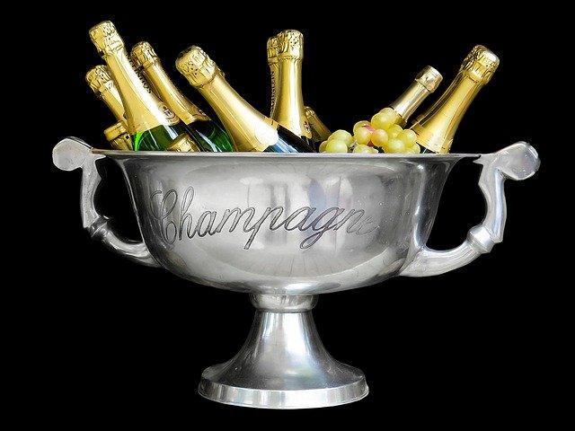 ¿Conoces las diferencias entre el champagne, el cava y la sidra brut? Te las explicamos