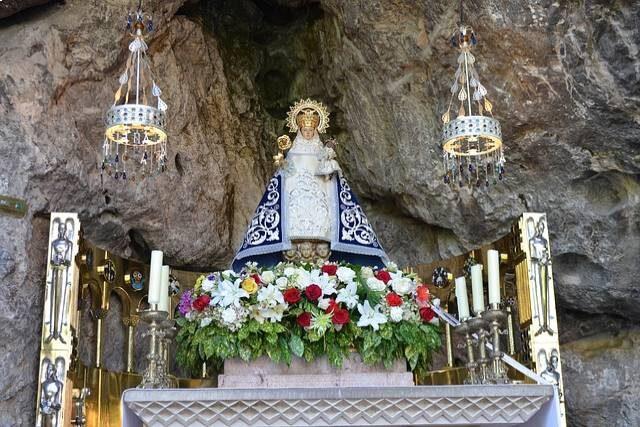 Día de Asturias, Virgen de Covadonga