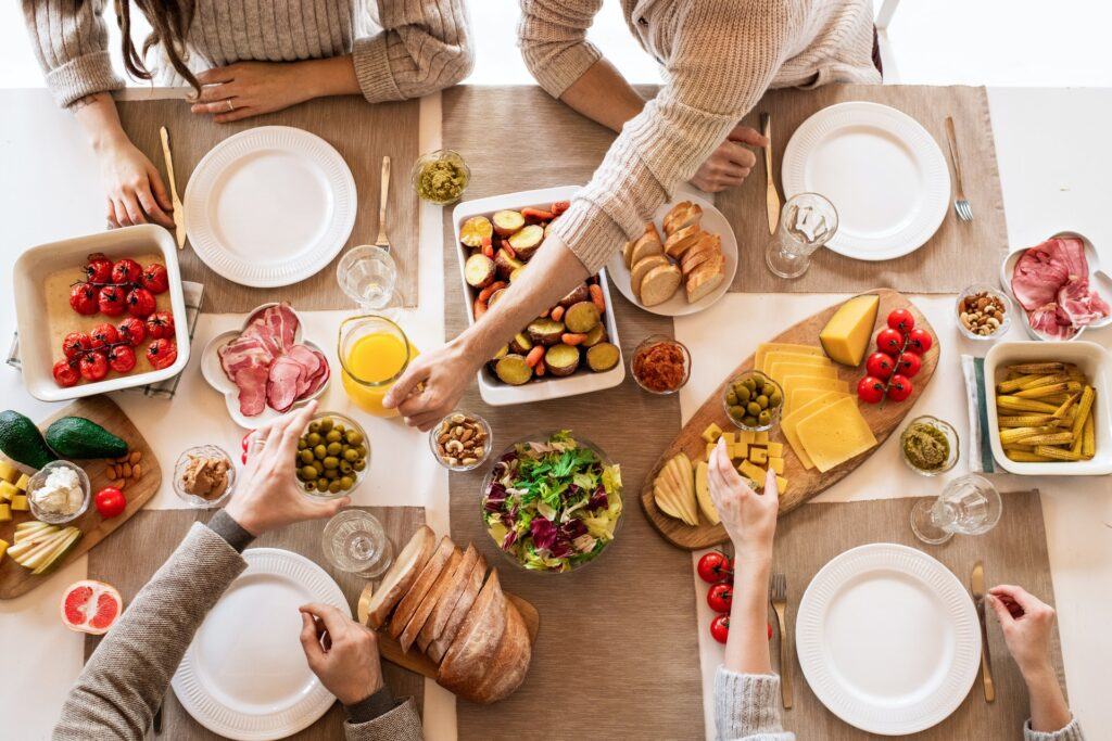 Aceitunas y otros placeres para la hora del aperitivo